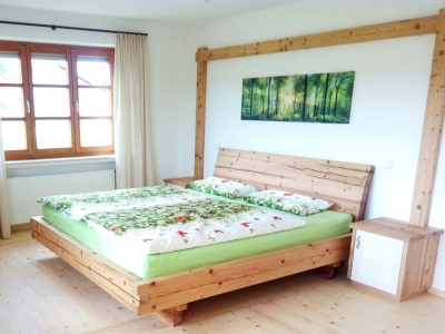 Doppelbett in Altholz Fichte